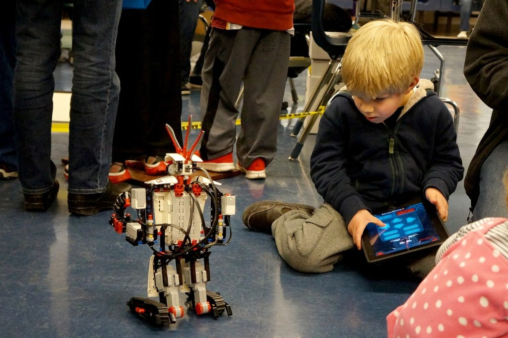Thousands Attend Northern Virginia's First Maker Faire