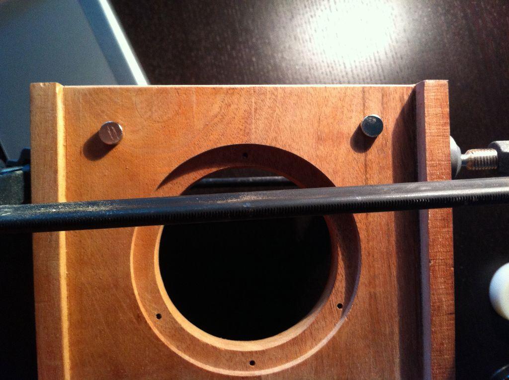 Baltimore Hackerspace Member Designs Modern Tube Hi-Fi System
