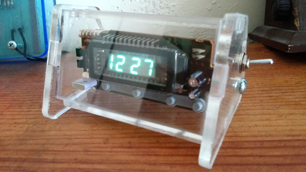 $5 Upcycled Desk Clock
