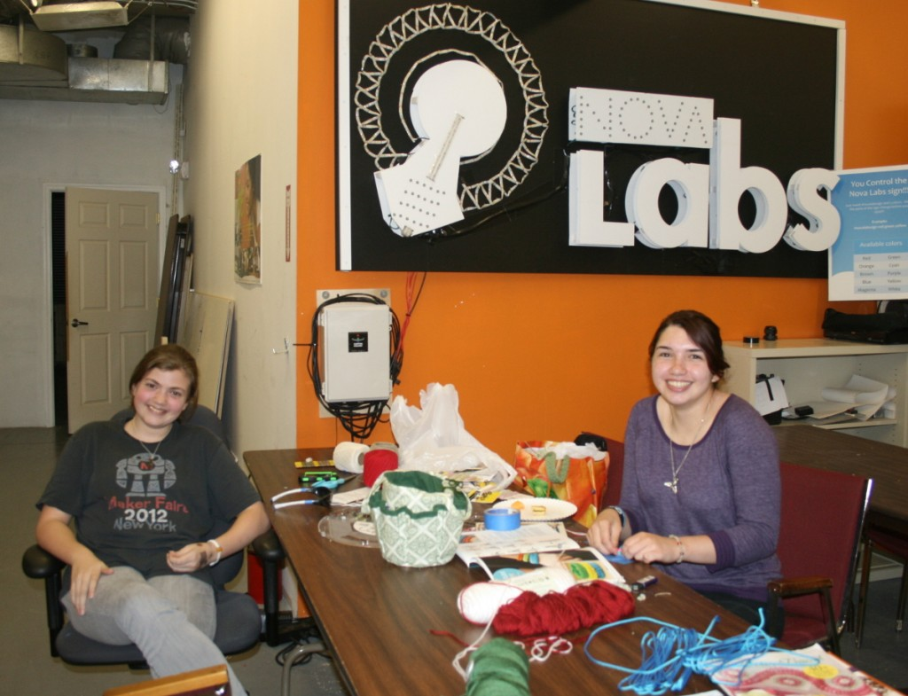 """Maker Circle and Art Lab"" at Nova Labs Features Traditional Maker Arts"